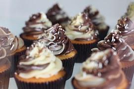 Cupcake cenoura e chocolate